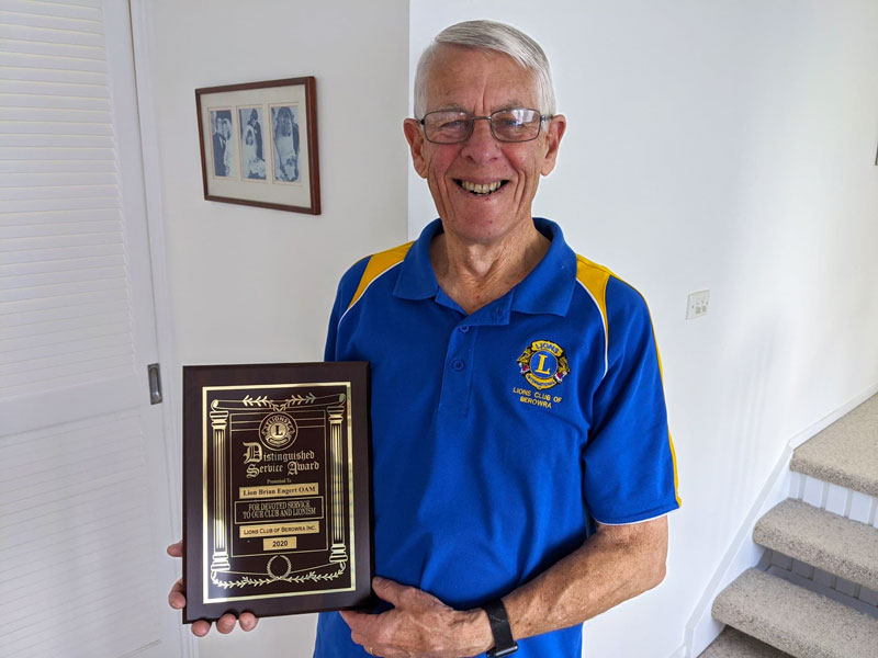 Lions Distinguished Service Award presented to Lion Brian Engert OAM